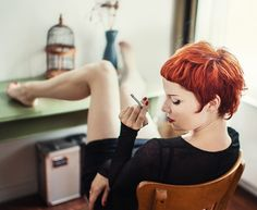 How to be aware of all the present pixie cut trends in time? In this post you will find Pixie Crop Hairstyle that you will adore immediately! The pixie crop Pixie Hairstyles, Pretty Hairstyles, Short Hair Cuts, Short Hair Styles, Short Bangs, Crop Hair, Corte Y Color, Great Hair, Awesome Hair