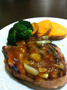 Apricot glazed pork chops I have been making the pork chops this way for the longest time. Apricot Glazed Pork Chops, Pork Chop Dishes, Perfect Food, Ham, Main Dishes, Steak, Chicken, Recipes, Kitchen
