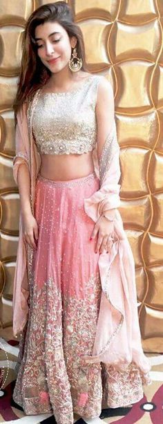 Urwa hoccane in Pakistani couture Pakistani Couture, Indian Couture, Pakistani Outfits, Indian Outfits, Indian Look, Indian Ethnic Wear, Desi Clothes, Indian Attire, Indian Designer Wear