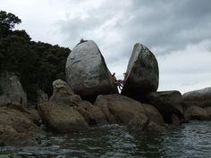 Split Rock Abel Tasman New Zealand