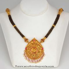 Latest collections of gold and diamond mangalsutra designs. Diamond Mangalsutra, Gold Mangalsutra Designs, Gold Jewellery Design, Bridal Jewelry, Beaded Jewelry, Gold Jewelry, Jewellery Earrings, High Jewelry, Unique Earrings