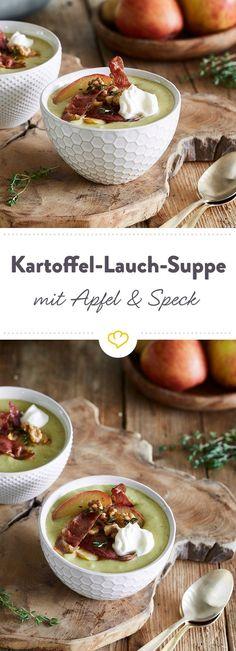 So edel kann Kartoffelsuppe sein. Ein Topping aus Apfelspalten, Speck, Thymian und Walnüssen hebt deine würzige Suppe auf ein neues Level.