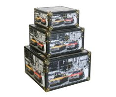 Storage Box - American Auto mobiles (Set of 3)   A decorative storage box set with an illustration of american cars driving through a bustling city. Comes in a set of three boxes.  Small Height : 10.5cm Width : 20cm Depth : 20cm  Medium Height : 14.5cm Width : 25cm Depth : 25cm  Large Height : 19cm Width : 31cm Depth : 31cm