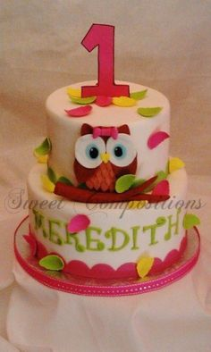 owl cake, i really like the animated looking owls with the huge eyes like this. the ones with oreos for eyes are my favorite tho!!! @T Jo