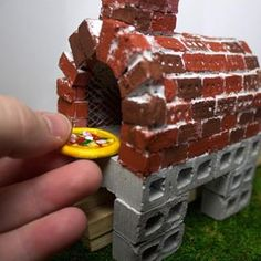 how cool is this scale mini red brick pizza oven? Miniature Kitchen, Miniature Gardens, Favourite Pizza, Doll Food, Red Bricks, Dollhouse Miniatures, Oven, Chocolate, Cool Stuff