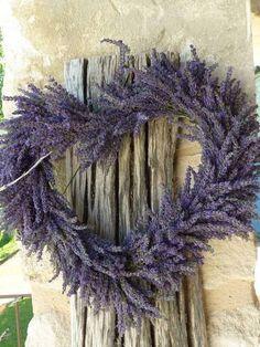 Lavender wreath so pretty. Lavender Wreath, Lavender Decor, Lavender Tea, Provence Lavender, Malva, Heart Wreath, Lavender Fields, Wild Hearts, Shades Of Purple