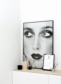 Black & White Decoration