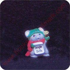 1989 Mouse Caroler - Merry Miniature