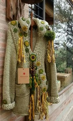 Bohemian handknit jacket with crochet detail. Crochet Jumper, Crochet Coat, Crochet Jacket, Crochet Clothes, Knitting Blogs, Knitting Stitches, Hand Knitting, Knitting Patterns, Crochet Patterns