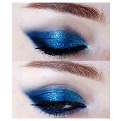 Get an intense pop of colour with metallic blue eyeshadow and add extra drama with a heavy black liner #KIKOTRENDSETTERS