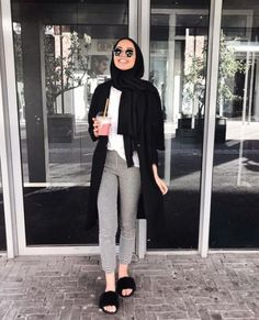 Hijab outfit with slipper-Modern and fashionable hijab outfits – Just Trendy Girls