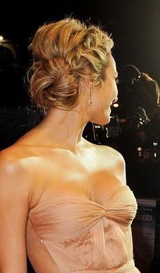 Pretty bridesmaid hair.