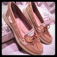 SPERRY TOP-SIDER ANGELFISH LINEN/GOLD GLITTER Excellent used condition. No trades. Sperry Top-Sider Shoes Flats & Loafers