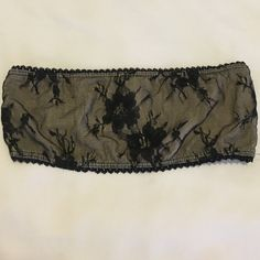 BRANDY MELVILLE Lace Black Bandeau Top - size s Brandy Melville lace black bandeau bralette top. Super cute with high waisted shorts or under tops! Size small. Fits A or small B cup. Feel free to offer! Brandy Melville Intimates & Sleepwear Bandeaus