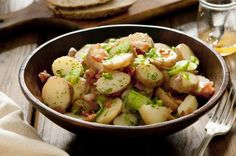 Potato salad recipes that will please a crowd Best Vegetables To Eat, Healthy Vegetables, Veggies, Salad Recipes, Diet Recipes, Healthy Recipes, Cooker Recipes, Healthy Foods To Eat, Healthy Eating