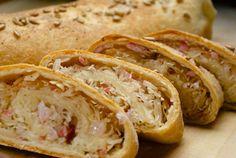 Kapustový závin - Sauerkraut   -bacon yeast roll bread (in Slovak language)