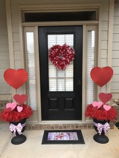 This can be a quite simple adorning concept for that backyard window of yours that screams out for consideration. Use a beautiful resin berry wreath, . Valentine Tree, Valentine Day Wreaths, My Funny Valentine, Valentines Day Decorations, Valentine Day Love, Valentines Day Food, Valentine Day Crafts, Diy Valentine's Day Decorations, Valentines Day Treats