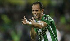 O Santos já está planejando 2017 e mira as contratações de dois jogadores do Atlético Nacional, campeão da última Copa Libertadores, Guerra e Ibargüen,