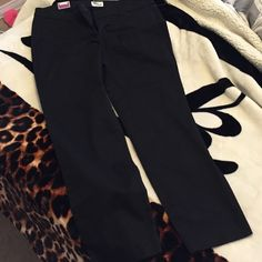 • submit an offer • Brand new really flattering crop skinny ankle pants Old Navy Pants Ankle & Cropped