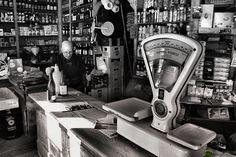 """A medida """"Comércio Investe"""", visa apoiar projetos individuais – promovidos por micro e pequenas empresas, inseridas nos CAE 47 (comércio a retalho), com a finalidade de modernização e valorização da oferta dos estabelecimentos abertos ao público através da aposta na inovação e da utilização de formas avançadas de comercialização, incentivando novas ideias e novos serviços de suporte ao cliente que permitam uma melhoria consistente e sustentada dos níveis de serviço prestado. No presente ... General Store, Portuguese, Portugal, Coffee Shop, Home Appliances, Personal Care, Antiques, Shopping, Funny Things"""