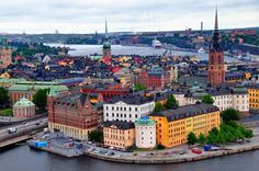 Stockholm, Sweden is made up of more than 14 islands and 50 bridges. The busiest canal is the Djurgårdsbrunnskanalen, which is basically made for tourists since it'll take you all the way to the Vasa Museum.