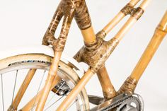 Blackstar, a bike de bambu Bamboo Crafts, Wood Crafts, Mobiles, Bamboo Bicycle, Wood Bike, Wooden Bicycle, Bamboo Structure, Bamboo Construction, Bamboo Furniture