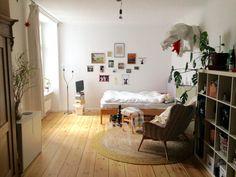 Wg zimmer einrichten  WG-Zimmer in Heidelberg. #Einrichtung #Kleiderstange | Ideen fürs ...
