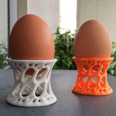 Un coquetier en style Voronoi An eggcup with Voronoi style Three D Printer, Best 3d Printer, Useful 3d Prints, 3 D, Stylo 3d, 3d Filament, 3d Printing Diy, 3d Printed Objects, 3d Printer Designs