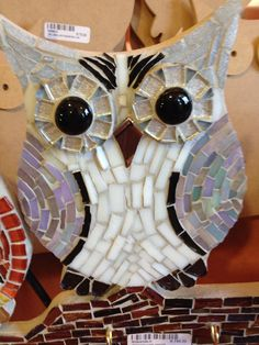 Owl. Mosaic Crafts, Mosaic Projects, Stained Glass Projects, Stained Glass Patterns, Mosaic Patterns, Stained Glass Art, Owl Mosaic, Mosaic Birds, Mosaic Art