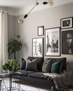 Gray Living Rooms Ideas - For beautiful gray living-room ideas, counter light gray wall surfaces with dark gray shelving Grey Walls Living Room, Living Room Photos, Living Room Green, Living Room Wall Colours, Living Room Picture Ideas, Black Sofa Living Room Decor, Grey Room, Living Room Art, Interior Design Living Room