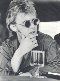 """Roger Taylor- """"Ve skutečnosti nikdo Freddieho neznal. Byl plachý, jemný a laskavý. Nikdy nebyl tím, co hrál na pódiu"""""""