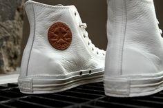 Converse Chuck Taylor All Star, Converse All Star, Converse Sneakers, Brown Leather Converse, Leather Chuck Taylors, Me Too Shoes, High Top Sneakers, Mens Fashion, Fashion News