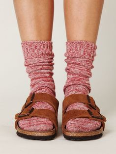 Birks and wool socks! oh my gosh i'm not the only one in the world who does … Birks and wool socks! this is fantastic. Cute Socks, My Socks, Socks And Sandals, Shoes Sandals, Mode Hippie, Pumped Up Kicks, Wool Socks, Walk This Way, Birkenstocks