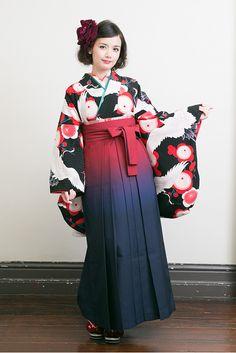 08/35 Traditional Fashion, Traditional Dresses, Yukata Kimono, Kimono Top, Japanese Kimono, Japanese Girl, Geisha, Japanese Outfits, Japanese Clothing