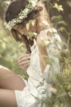 daisies and baby's breath flower crown Fotografie Portraits, Portrait Photography, Fashion Photography, Dreamy Photography, Teen Photography, Mode Hippie, Poses Photo, Photo Shoot, Love French