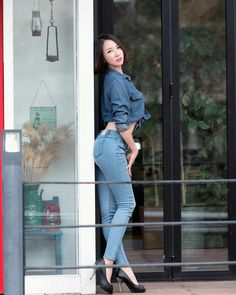 Stunning Women, Beautiful Asian Women, Sexy Asian Girls, Sexy Jeans, Skinny Jeans, Skinny Asian, The Perfect Girlfriend, Native American Beauty, Denim Jeans