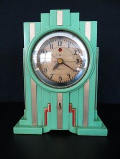 VINTAGE-30s-ANTIQUE-TELECHRON-BRASS-GREEN-BAKELITE-OLD-ELECTRIC-ART-DECO-CLOCK