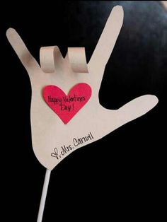 The First Grade Parade: valentine craft Valentine Day Love, Valentine Day Crafts, Holiday Crafts, Holiday Fun, Fun Crafts, Crafts For Kids, Valentine Ideas, Homemade Valentines, Printable Valentine