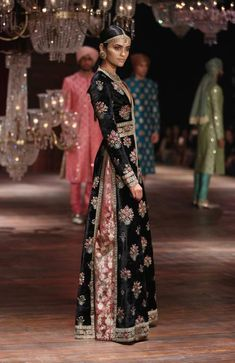 Lakme Absolute Grand Finale By Sabyasachi-at-lakme-fashion-week-26
