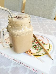 Protein Blended Coffee – Yes Please! – Nourish Through Movement Whole Food Recipes, Great Recipes, Vegan Recipes, Protein Coffee, Protein Blend, Free Plants, Blended Coffee, Frappuccino, Coffee Love