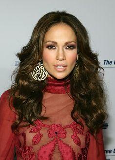 Charming seductress Jennifer Lopez