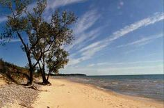 This is one of my favourite places. When we lived in Kingston I frequently went to Sandbanks Provincial Park in the summer. I cannot wait to go back!