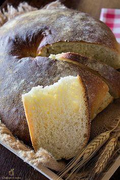 Pane a ciambella a lievitazione naturale http://blog.giallozafferano.it/graficareincucina/pane-a-ciambella-a-lievitazione-naturale/