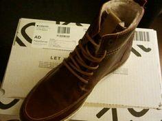 19.11.14 Kind verwend met nieuwe schoenen.