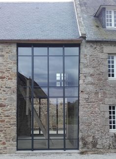 Discover recipes, home ideas, style inspiration and other ideas to try. Barn Conversion Kitchen, Door Design, House Design, Glass Extension, Double Vitrage, Stone Houses, House Front, Home Deco, Facade