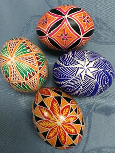 2016 raffle Ukrainian Easter Eggs, Ukrainian Art, Art Projects, Projects To Try, Easter Egg Designs, Faberge Eggs, Egg Art, Egg Decorating, Happy Easter
