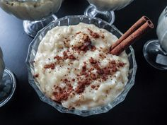 Costa Rican Rice Pudding (Arroz Con Leche)! A typical Costa Rican dessert. Sweet, delicious and pure creaminess! www.oliviascuisine.com