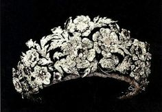 The Savoy diamond floral tiara. This tiara was a gift from Elizabeth of Saxony to her daughter Margherita for her marriage with Prince Umberto of Savoy. The tiara can be disassembled into five brooches. Royal Crowns, Royal Tiaras, Crown Royal, Tiaras And Crowns, Diamond Tiara, Diamond Jewelry, Royal Jewelry, Jewellery, Head Jewelry