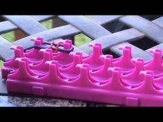 How to make the single fish tail bracelet with crazy loom! - YouTube