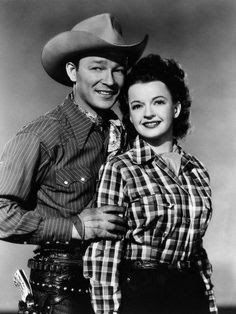 Saturday at the movies was great with Roy Rogers & Dale Evans. The price was 12 cents at the Crescent or Eagle theatre's in Pontiac, Illinois 1947 Vintage Tv, Vintage Hollywood, Classic Hollywood, Vintage Ladies, Western Movies, Western Film, Western Cowboy, Western Style, Western Wear